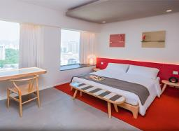 Madera Residences- Newly Refurbished Serviced Apartment image 1