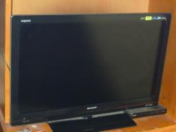 Sharp 32 Hd Led Idtv image 1